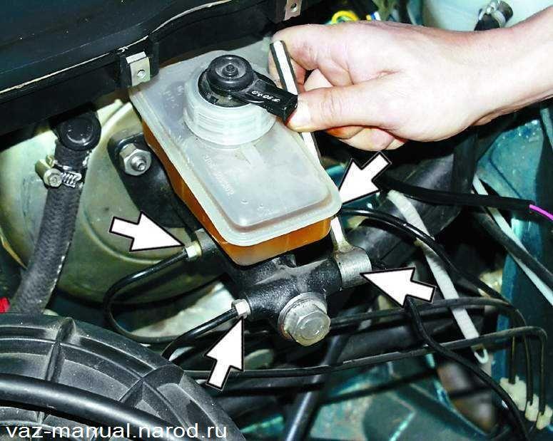 Фото №21 - как поменять тормозную жидкость на ВАЗ 2110