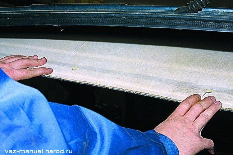 Обезжириваем внутреннюю поверхность панели крыши уайт-спиритом и наклеиваем детали шумоизоляции согласно схеме.