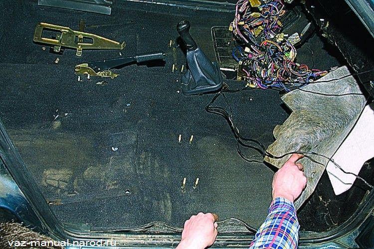 Установка шумоизоляции пола кузова и щита передка Ваз 2110, Ваз 2111, Ваз 2112, Лада Десятка.