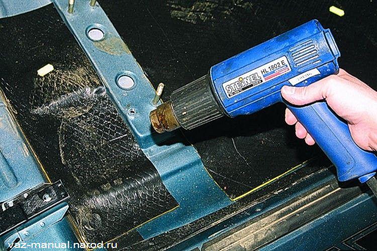 Шумоизоляция пола кузова и передней металлической панели.